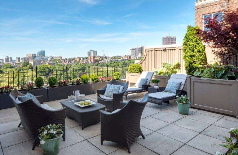Gardenside Penthouse, Boston